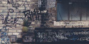 Graffiti entfernen mit Strahlen mittels Trockeneis